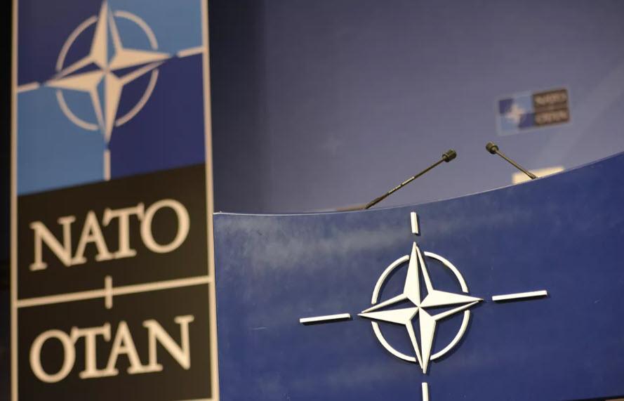 """В НАТО заявили о продолжении """"агрессивной политики"""" России"""